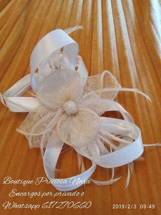 Preciosa peineta para novia ,niña comunión Nueva