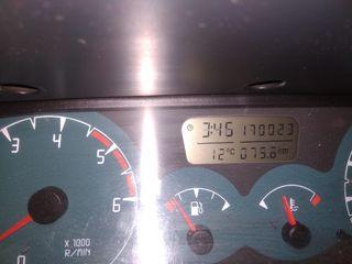 Nissan Terrano II 2000
