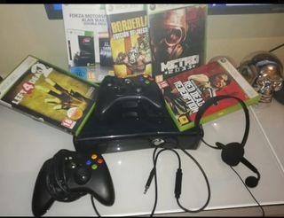 Xbox 360 slim con juegos mandos y cascos