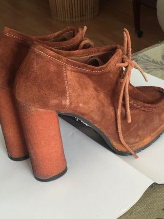 Zapatos Gloria Ortiz Marrones 38