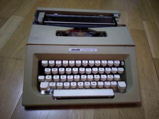 máquina de escribir olivetti. lettera 25