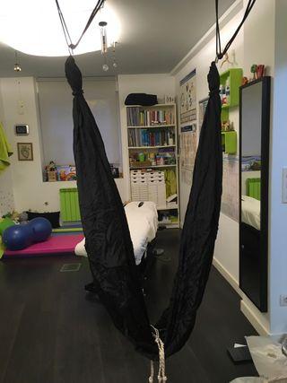 Columpio aéreo yoga o pilates