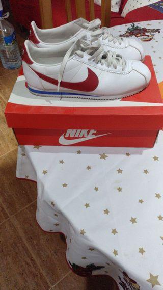 Zapatillas Nike Cortez de segunda mano en Barcelona en WALLAPOP 1548474a2c4d9