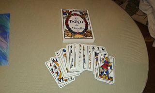 libro del tarot y cartas para adivinar