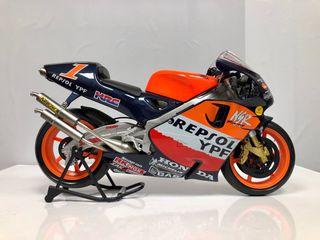 Moto Honda-repsol ypf 1/6 gigante