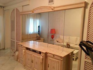 Mueble ( espejo, madera , rosa mármol)