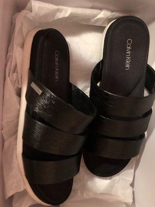 Sandalias Calvin Klein. URGE!!