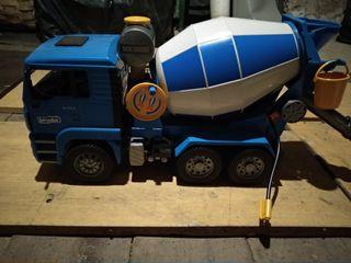 Camión Bruder Hormigonera
