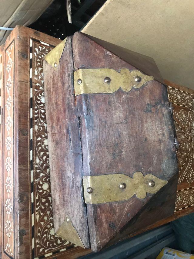 Antigua caja de madera