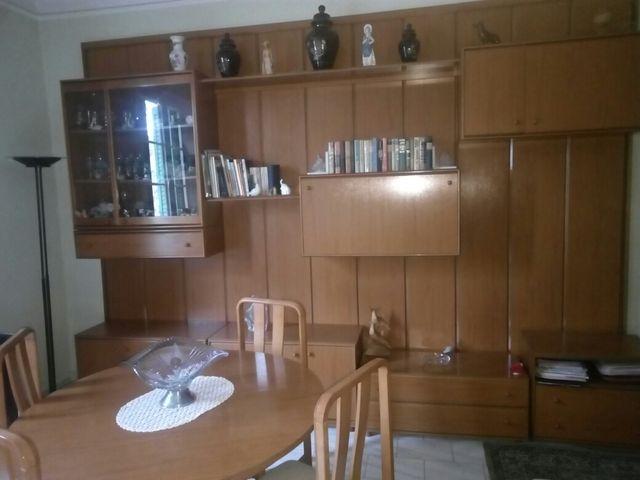 Mueble comedor, mesa y sillas de segunda mano por 300 € en Barcelona ...