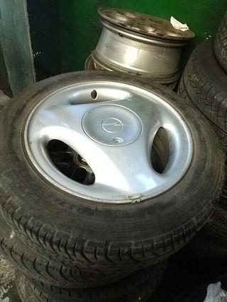 llantas con neumáticos opel