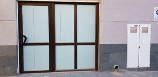 cerramiento de aluminio con puerta