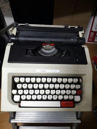 Máquina de escribir OLIVETTI LETTERA 42