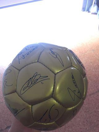 Balón firmado España