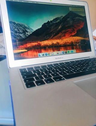 "MacBook Air 13"" i5 + Accesorios"