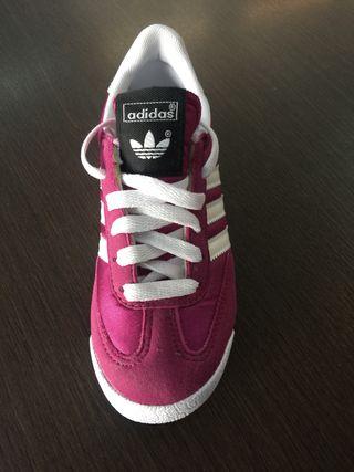 quality design 508ef 0cec8 Zapatillas Adidas niña
