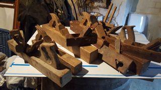 Colección de cepillos antiguos de carpintero