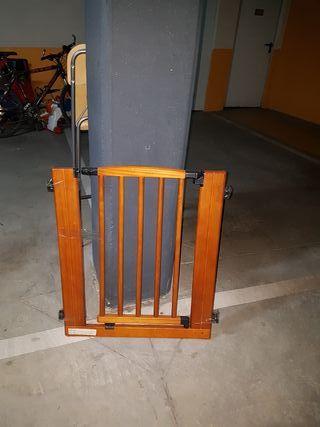 barrera de seguridad de madera