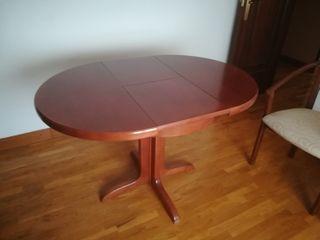 Mesa extensible y 3 sillas