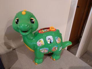 Juguetes. Dinosaurio juguete