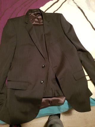 Traje chaqueta hombre Zara.