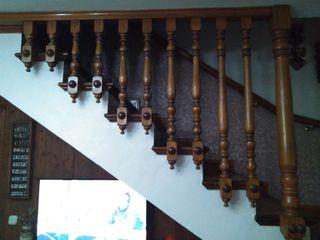 Barandas de madera.