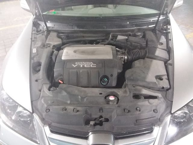 YG018464 Honda Legend 3.5 V6 2006