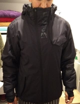 chaqueta Bench negra