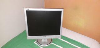 monitor lcd y teclado