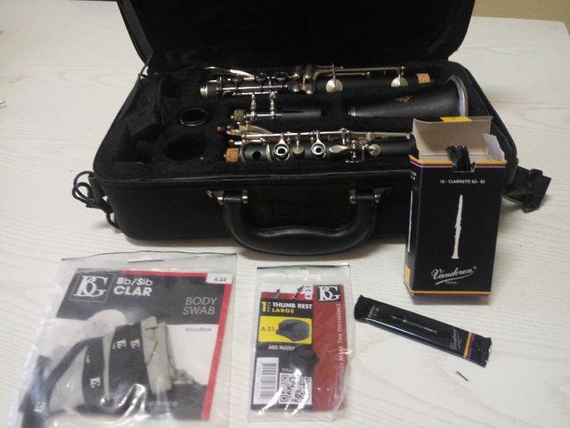 Clarinete J. Michael CL-430