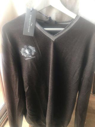 Jersey Etiqueta Negra cuello pico