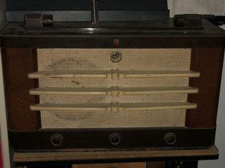 Radio Phillips madera años 40