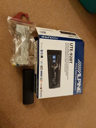 Alpine UTE-92BT Car Stereo with Bluetooth