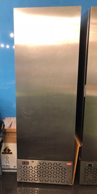 Armario congelador helados