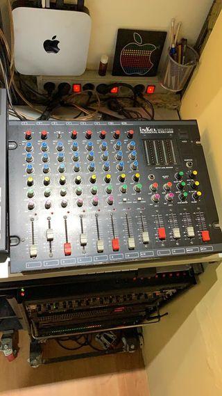 Mesa Mezclador de Audio