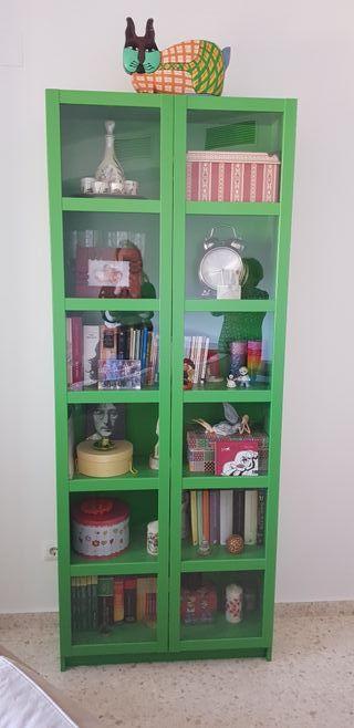 15dfc22753 Librería Ikea de segunda mano en Sevilla en WALLAPOP