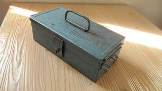 CAJA de HERRAMIENTAS metálica vintage.
