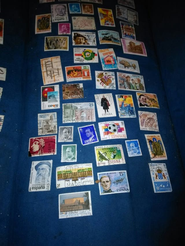 +150 sellos