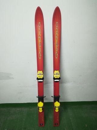 esquís marca Quechua 130 cm