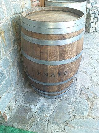 barricas de vino,100€cada una.
