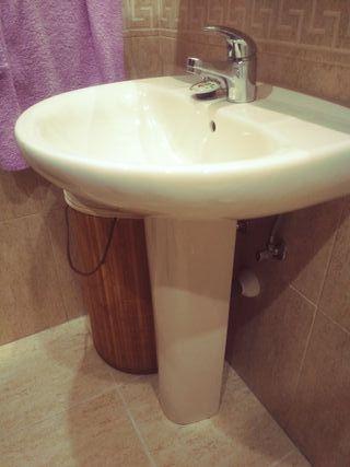lavabo Roca y grifo monomando