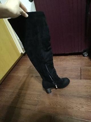 BelleMarie Cover Knee Suede Heel Boots