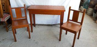 mesa abatible +2 sillas madera maciza