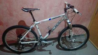 bicicleta Aluminio Muy ligera.