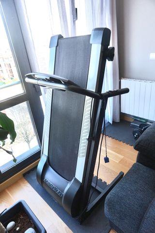 Cinta de correr o andar fitness