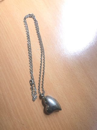 d99f37df0afe Collar de plata corazón de segunda mano en la provincia de Murcia en ...