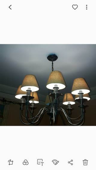 lámpara de forja.