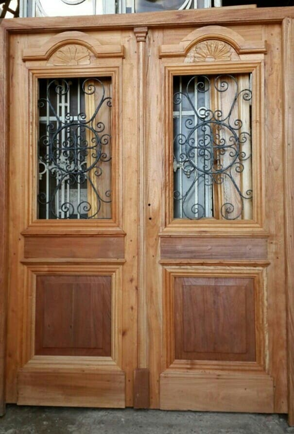 Decapado de puertas antiguas de madera muebles de - Puertas madera barcelona ...