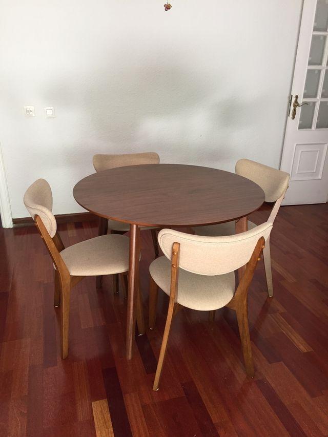 Mesa y sillas de comedor El Corte Inglés de segunda mano por 180 ...