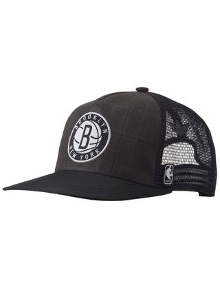 Gorra New York Brooklyn adidas.
